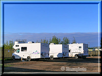 Campground in Fort Nelson mit 3 RV´s
