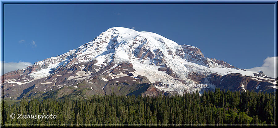 Panorama von Mount Rainier in der Morgensonne