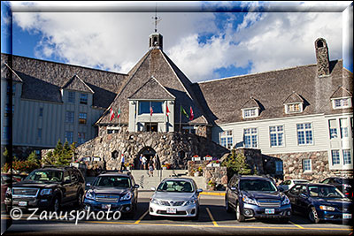 Haupteingang zur Timberline Lodge