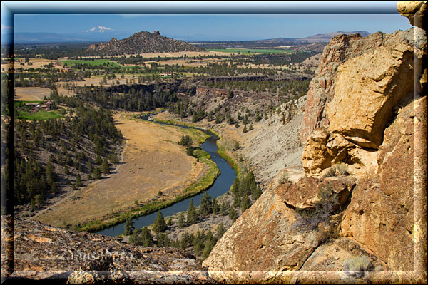 Crooked River Valley